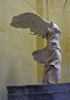 Front_right_view_of_the_Nike_of_Samothrace